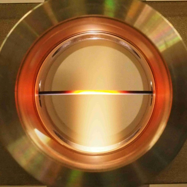 Test reactor for ceramic capillary membranes in a microwave plasma. (c) © IGVP, Universität Stuttgart